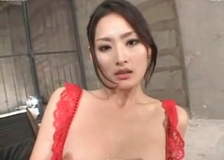 Asian slut loves fucking with a beast